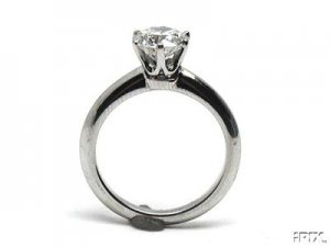 tiffany six prongs ring.jpg