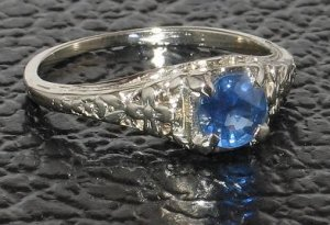 antique sapphire ring3.jpg