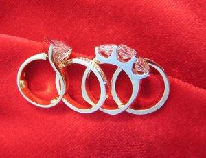 SuzyQz four rings 8962.jpg
