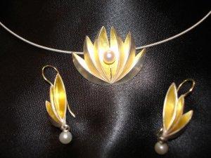 Lotus b.jpg