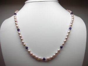 pearl necklace.jpg