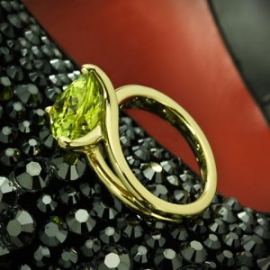 Custom-Chrysoberyl-Trilliant-Yellow-Gold-Solitaire-Ring-by-Whiteflash-20422_6.jpg