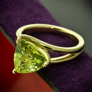 Custom-Chrysoberyl-Trilliant-Yellow-Gold-Solitaire-Ring-by-Whiteflash-20422_7.jpg