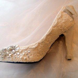 Lace & Crystal Shoe.jpg