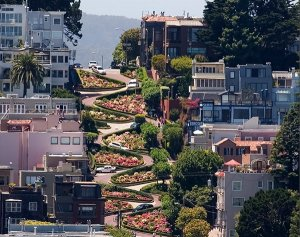 lombard-street-the-crooked-street-in-san-francisco-1.jpg