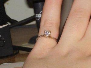 Diamond on Finger2.JPG