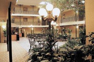best western governors suites atrium 2.jpg