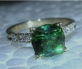 green_tourmaline_diamond_engraved2.jpg