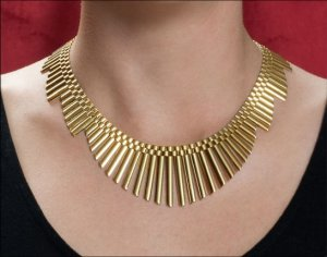 cleopatra_gold_necklace.jpg
