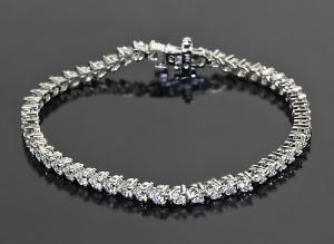 3-Prong-Tennis-Bracelet-by-Whiteflash-20256-1.jpg