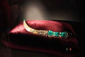 The Topkapi Emerald Dagger.jpg