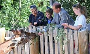 sophie-wessex-family-zoo-t.jpg