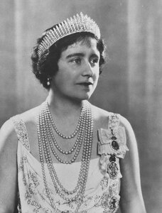 Queen-Elizabeth-Queen-Mother-Wallis-Simpson-2298848.jpg