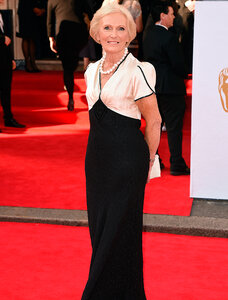 Mary-Berry-Arqiva-British-Academy-Television-Awards2-1.jpg
