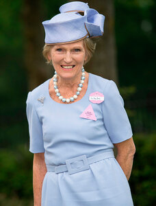 Mary-Berry-Royal-Ascot-race-meeting-1.jpg