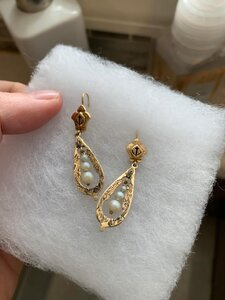 Vintage earrings with anchor.JPG