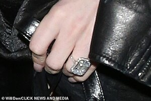 32564270-8678795-Dazzling_The_star_s_ring_looked_incredible_as_she_left_the_gig-a-131_15987990...jpg