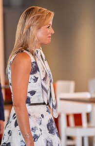 32963058-8713949-Maxima_still_sporting_a_tan_from_her_recent_Greek_holiday_looked-a-11_1599662...jpg