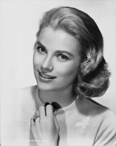 Cartier ring Grace Kelly.jpg