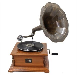 Decorative+Antique+Replica+RCA+Victor+Phonograph+Gramophone+with+Horn.jpg