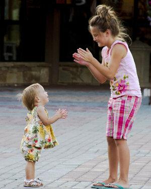 girls-clapping-1213182-print.jpg