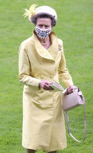 Queen-Elizabeth-II-3107639.jpg