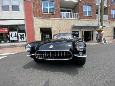 corvettecarshow2021.jpeg