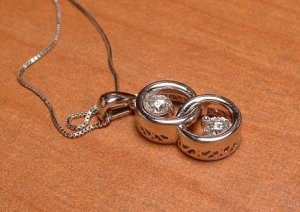 necklaceladyc3.JPG