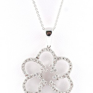 White Gold and Diamond flower pendant