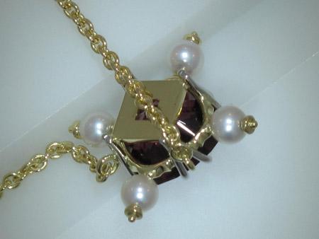 garnet pendant back