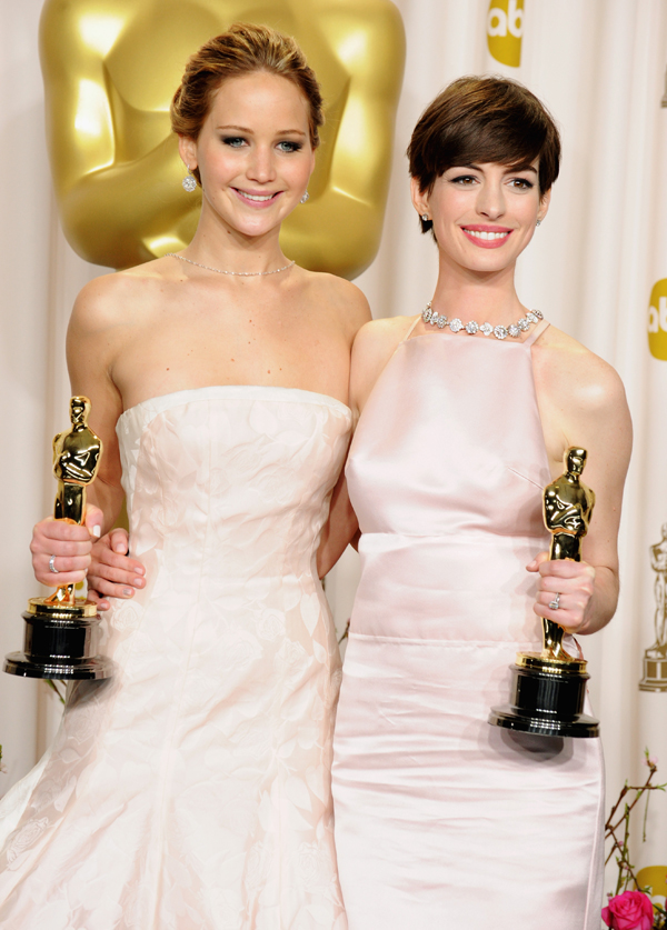 2013 Oscar Winners Jennifer Lawrence and Anne Hathaway