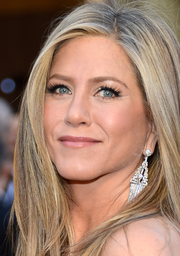 2013 Oscars Red Carpet - Jennifer Aniston in Fred Leighton