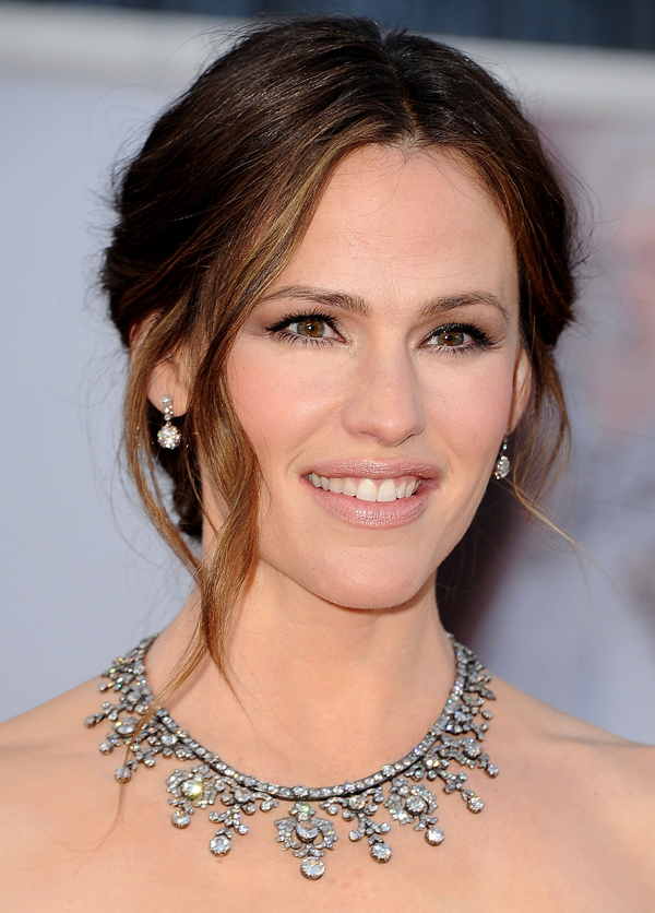 2013 Oscars Red Carpet - Jennifer Garner in Neil Lane