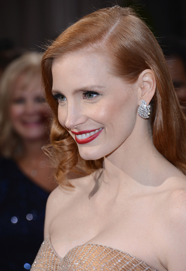 2013 Oscars Red Carpet - Jessica Chastain in Harry Winston