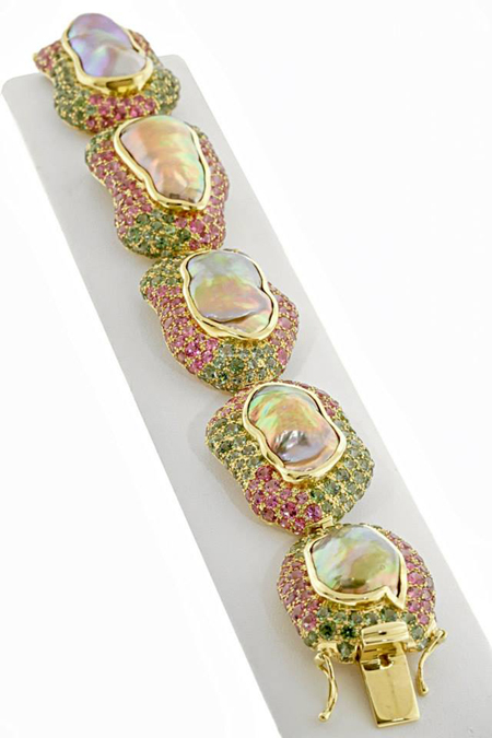 AGTA Spectrum Awards 2015 Best Use of Color - cultured pearl and tourmaline bracelet by Paula Crevoshay