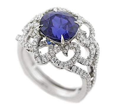 AGTA Spectrum Awards, Bridal Wear - 1st Place: Maria Canale, Richard Krementz Gemstones