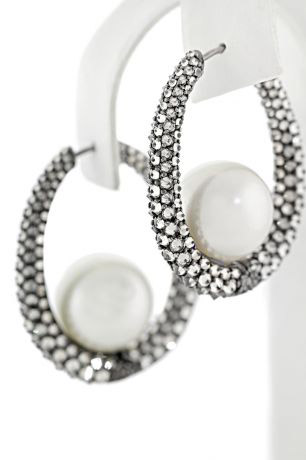AGTA Spectrum Awards, Best Use of Pearls: Anil Maloo, Baggins Inc.