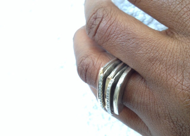 ring stack in silver with diamonds - Image by Acinom