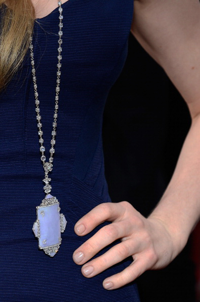 'Les Miserables' star Amanda Seyfried in Lorraine Schwartz, 2013 SAG Awards