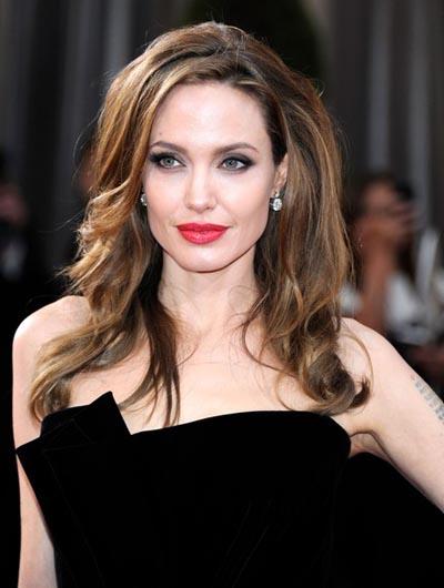 http://www.pricescope.com/files/blog/Angelina-Jolie-2012-Academy-Awards.jpg