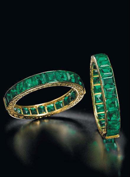 Antique Indian emerald bangles • Image: Christie's