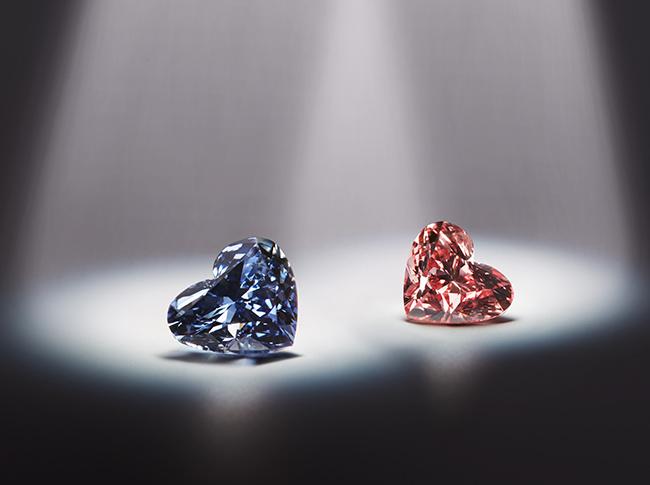 The 0.71 Argyle Celestial blue diamond with a twin pink diamond