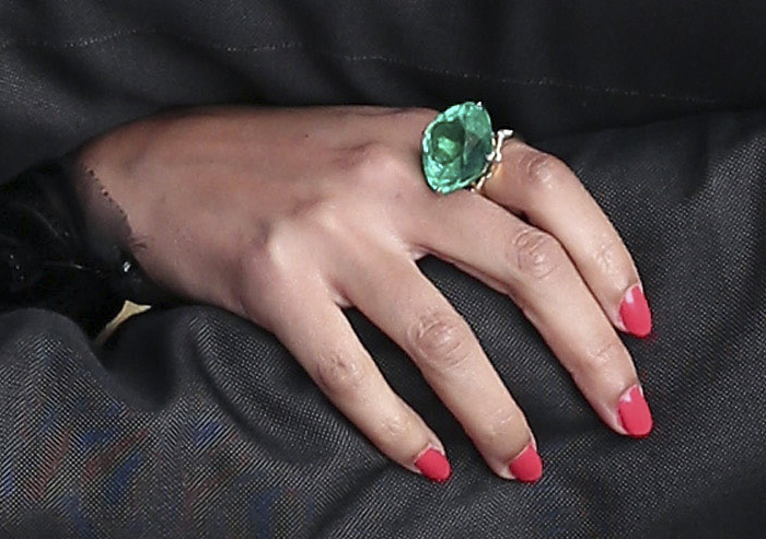 Beyoncé's emerald ring by Lorraine Schwartz at President Obama's Inauguration