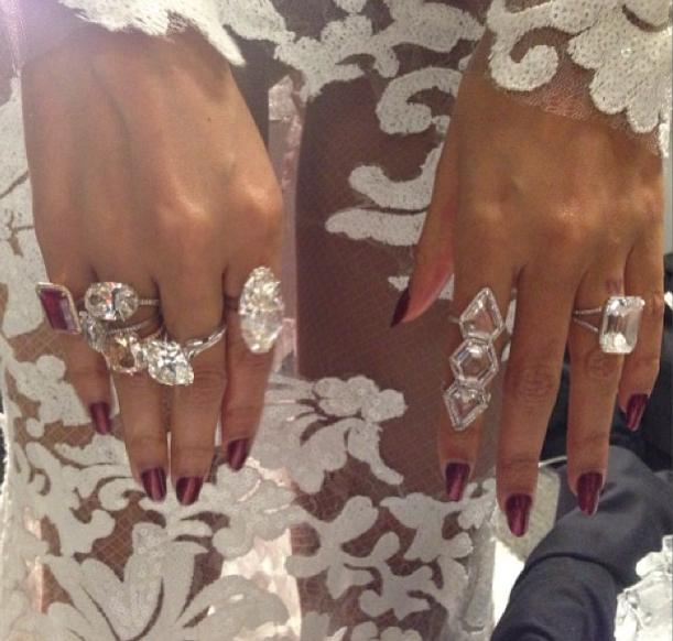 Beyoncé diamond rings by Lorraine Schwartz • Grammys 2014