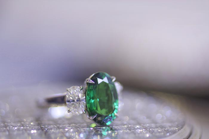 Blue Nile Red Carpet Event, 4.31-carat tsavorite and diamond ring • Image by Erika Winters