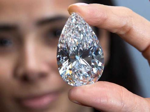 101 73 Carat Quot Winston Legacy Quot Diamond Sets Auction Record