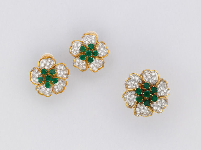 A set of emerald and diamond jewelry • Christie's