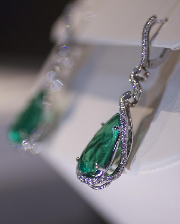 Colombian Emerald Earrings by Omi Prive