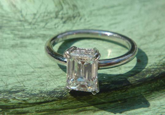 1.7-carat emerald-cut diamond solitaire engagement ring