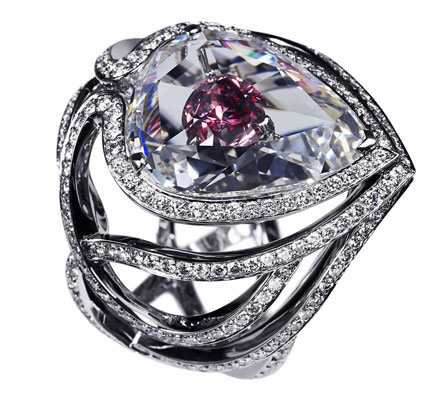 Secret Kiss of the Rose Ring De Beers